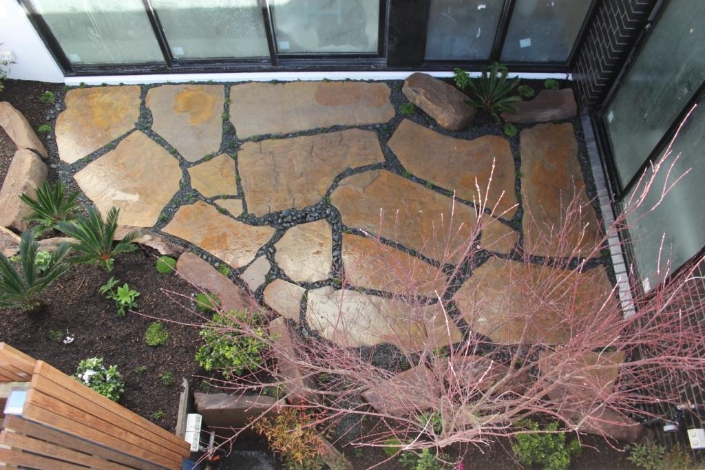 Inner city courtyard ingardens landscaping melbourne for Courtyard landscaping melbourne